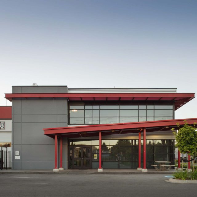 Peterbilt Warehouse Exterior | Keystone Architecture