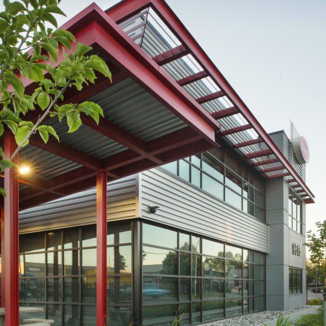 Peterbilt Office Warehouse Design | Keystone Architecture
